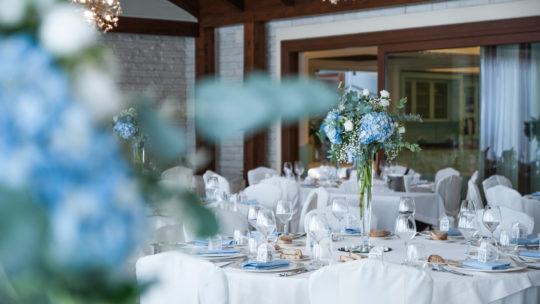 matrimonio-wedding-blue-salone-vetrate-luminosa-relax