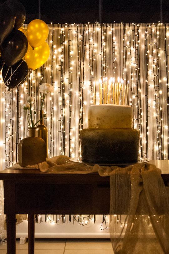 momento-torta-atmosfera-candeline-palloncine-allestimento-dettagli-tavolotorta